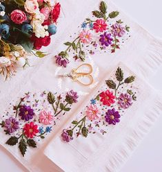 Ribbon Embroidery Tutorial, Embroidery Patterns, Hand Embroidery, Crochet Bedspread, Ribbon Work, Sewing Hacks, Diy And Crafts, Stitch, Fabric
