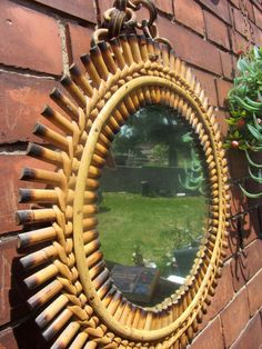runder Spiegel Wandspiegel mit Bambusrahmen von Kukes feinster Trödel auf DaWanda.com