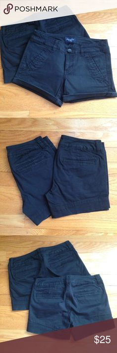 American Eagle Black Midi Shorts American Eagle Black Midi Shorts, Size 00, Excellent Condition! American Eagle Outfitters Shorts