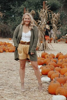 September 1st rolled around and I was ready to celebrate fall but the   weather had other ideas. I've been working in my fall style so I figured   I'd share my tips on how to dress for fall even in warm weather.   Sharing 10 tips for how to dress for fall even in warm weather. Click on   the post to get my tips and outfit details! #fallstyle   #fallfashion #falloutfit Mom Blogs, Warm Weather, Fall Outfits, Autumn Fashion, Dresses, Vestidos, Fall Fashion, Fall Fashions, Dress