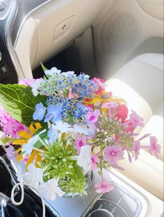 Flower Aesthetic, Summer Aesthetic, My Flower, Beautiful Flowers, Aesthetic Pictures, Mother Nature, Planting Flowers, Flower Arrangements, Florals