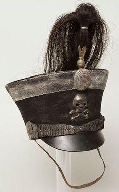 http://www.warrelics.eu/forum/imperial-german-soft-headgear/leib-husaren-busby-skull-173128-4/