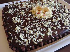 Se siete alla ricerca di un dolce super cioccolattoso, questa Torta brownie con glassa al cioccolato fondente fa per voi! Cookers, Dolce, Cupcake, Desserts, Blog, Tailgate Desserts, Deserts, Cupcakes, Cupcake Cakes