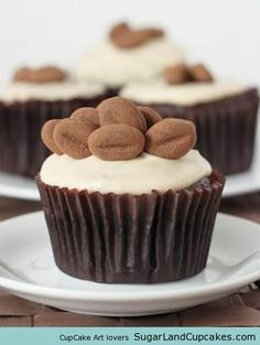 Whole Grain Chocolate Cupcakes with Espresso Cream Cheese Frosting #cupcakes #cupcakeideas #cupcakerecipes #food #yummy #sweet #delicious #cupcake
