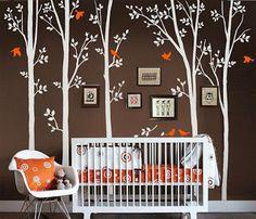 Dormitorio bebé naranja y marrón