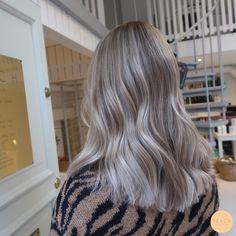 Cool Toned Blonde Hair, Greyish Blonde Hair, Beige Hair Color, Blonde Foils, Silver Blonde Hair, Medium Ash Blonde Hair, Cool Ash Blonde, Ash Blonde Highlights, Ashy Brown Hair Balayage