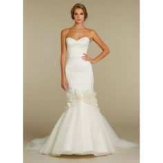 The dress. Classic & clean wedding dress