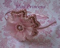 Tiara Flor de Pérolas Delicada Rosa