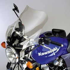 National Cycle N2522 F-Series F-15 Light Tint Touring Fairing These sporty transparent F-Series Fairings are styled for naked bikes and attach directly to the headlight mount point using platinum colored aluminum uprights.