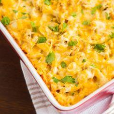 Egy finom Tejszínes-sajtos rakott csirke ebédre vagy vacsorára? Tejszínes-sajtos rakott csirke Receptek a Mindmegette.hu Recept gyűjteményében!