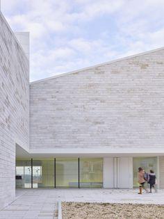 Atelier Fernandez & Serres . cultural centre . Vertou (8)