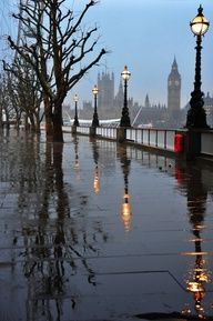 London, England - a view of the Thames River and Big Ben in the rain. Can't Wait London, Paris, And Wales Places To Travel, Places To See, Beautiful World, Beautiful Places, Beautiful London, Wonderful Places, Places Around The World, Around The Worlds, Foto Poster