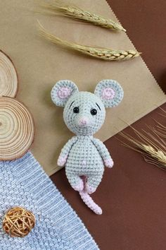 Make this sweet little crochet mouse to give to your little one. To create this toy you will need YarnArt Jeans yarn and mm crochet hook. Crochet Mouse, Crochet Teddy, Crochet Bunny, Cute Crochet, Crochet Dolls Free Patterns, Crochet Doll Pattern, Amigurumi Patterns, Crochet Projects, Crocheted Animals