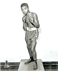 Muhammad Ali As A Baby | Muhammad Ali Cassius Clay Child 8x10 Photo Learn To Box, My Old Kentucky Home, Muhammad Ali, African American History, Black People, Old Pictures, Black History, Louisville Kentucky