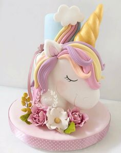 10 Beautiful Unicorn Cake Designs - The Wonder Cottage Unicorn Cake Design, Unicorn Cake Topper, Unicorn Cakes, Baby Unicorn, Unicorn Themed Cake, Rainbow Unicorn, Baby Cakes, Cupcake Cakes, Birthday Cake Girls