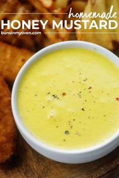 You just need five ingredients to make this homemade honey mustard dressing! So easy and it turns out even better than what you get at the restaurant! #recipe #homemade #honeymustard Honey Mustard Dip, Honey Mustard Recipes, Homemade Honey Mustard, Honey Mustard Dressing, Best Dip Recipes, Sauce Recipes, Favorite Recipes, Oven Recipes, Focus Foods