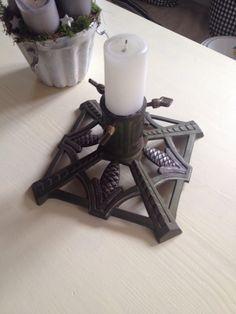 Christbaumständer mit schönem Zapfendekor aus schwerem Metall von SylviesWonderland auf Etsy https://www.etsy.com/de/listing/484803812/christbaumstander-mit-schonem