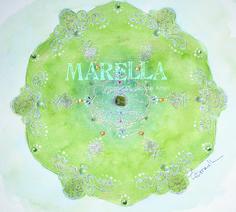 Mandala em aquarela verde e dourado com cristal no centro, conforme encomenda. Diâmetro médio de 25cm.  Moldura branca padrão.
