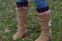 21 FREE Crochet Plaid Projects - Mad about Plaid? Get your fix with theses stunning plaid crochet patterns, designed for you, your family and your home. Crochet Boot Cuffs, Crochet Leg Warmers, Crochet Boots, Plaid Crochet, Crochet Scarves, Crochet Headbands, Knit Headband, Baby Headbands, Buffalo Plaid Blanket