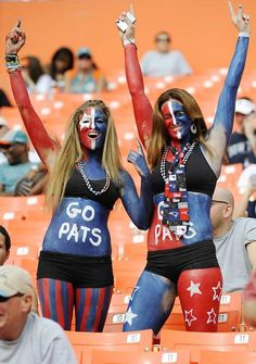 Check out the necktie. That's Pats love! Go Pats! New England Patriots Merchandise, Patriots Fans, Nfl Tickets, Go Pats, Nfl Fans, Atlanta Falcons, Chicago Bears, Sport Girl, Nfl Football