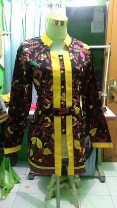 New Motorcycle Diy Pictures Ideas Blouse Batik, Batik Dress, Batik Muslim, Mode Batik, Kurti Sleeves Design, Batik Fashion, Girl Dress Patterns, Stylish Tops, Motorcycle Outfit
