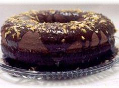 Receita de bolo capricho - bolo estará pronto). Desenforme o bolo morno. Para a cobertura: leve ao fogo até ferver o leite condensado com o chocolate. Deixe esfriar por 20...