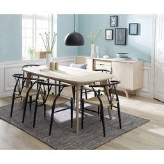 Bordplade i hvidolieret egefiner. Ben i massiv hvidolieret eg. Mulighed for at forlænge bordet med 2 tillægsplader så bordet bliver L 270 cm. Tillægsplader købes separat.