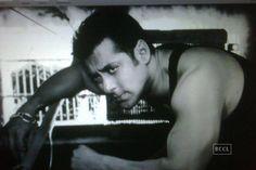 Did Salman Khan threaten a blogger for writing about him?