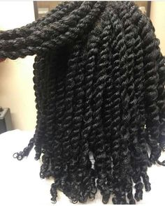 06 DIY shampoo for dry frizzy hair - NYBeauty & Care - Afro Hair Natural Hair Twists, Pelo Natural, Natural Twist Hairstyles, Black Girls Hairstyles, Afro Hairstyles, Hairstyles 2018, Hair Colorful, Twist Styles, Braid Styles