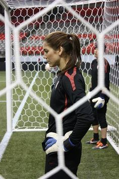 Hope Solo in the zone. Basketball Trainer, Soccer Pro, Play Soccer, Solo Soccer, Hope Solo, Football Girls, Girls Soccer, Football Soccer, Alex Morgan