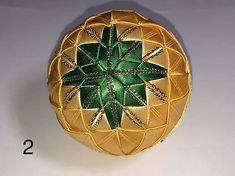 vianočné patchworkové gule zeleno-zlaté