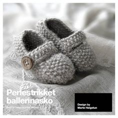 Ravelry: Perlestrikket ballerinasko pattern by Marte Helgetun Crochet For Kids, Crochet Baby, Crochet Ideas, Knitting Designs, Knitting Projects, Knitting Socks, Baby Knitting, Kid Shoes, Baby Shoes