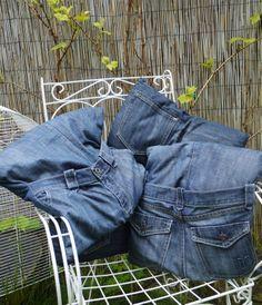 Denim Cushions from up-cycled jeans. Dark Denim, Blue Denim, Denim Comforter, Denim Ideas, Denim Outfit, Ralph Lauren, Cushions, Shades, Pocket