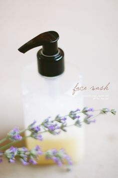 """Another pinner said, """"DIY face wash: cup Castile Soap, 10 drops tea tree, 2 tsp. jojoba oil (will try with coconut oil because I have that anyway)"""" Natural Living, Homemade Face Wash, Natural Face Wash, Fashion Models, Tea Tree Essential Oil, Essential Oils, Diy Spa, Homemade Beauty Products, Natural Products"""