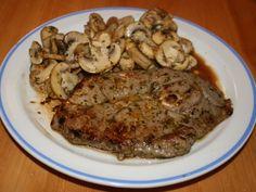 Cette recette de filets de porc au sirop d'érable est irrésistible. Son fumet, son goût et sa sauce sont uniques. Elle est rapide et très facile à réaliser. Pesto, Recipe Images, Pork, Sauce, Meat, Oven Pork Chops, Kale Stir Fry, Pork Chops