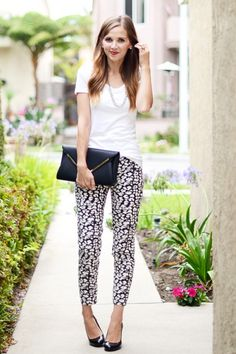 Add #patterns to any outfit to make it stand out. This classy, comfy mom outfit goes perfectly with heels or flats.