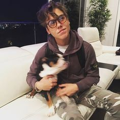 Matthew Espinosa👽: just a pup trying to get another photo with a pup. No biggie Brandon Jacobs, Shawn Mendes Magcon, Aesthetic Indie, Matt Espinosa, Trinidad James, Jack Gilinsky, Ace Hood, Chuck Blair, Mrs Carter