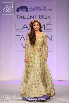 Soha Ali Khan for Arpita Mehta at Lakme Fashion Week 2013