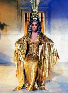 Cleopatra 1963 Photo: Cleopatra #egyptomania Definite sandalpunk inspiration here.
