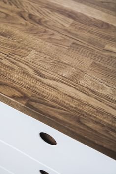 Beautiful solid oak tabletop from REFORM  www.reformcph.com