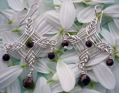 Imitation Jewelry Factory: 01/09/2011. - 01.10.2011. Herringbone Pendant instructions. Gorgeous and simple!