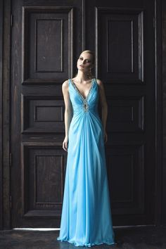 Sky Blue V Neck Evening Dresses 2017 Long Chiffon Sleeveless A Line Open Back Crystal Beaded Formal Party Gowns robe de soiree