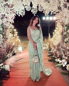 Bridesmaid Saree, Indian Bridesmaids, Bridesmaid Outfit, Engagement Dress For Bride, Engagement Saree, Indian Bridal Outfits, Indian Fashion Dresses, Indian Fashion Trends, Pakistani Bridal Dresses
