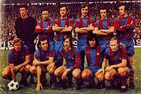 F. C. BARCELONA - Barcelona, España - Temporada 1973-74 - Sadurní, Rifé, Torres, Costas, De la Cruz y Juan Carlos; Rexach, Asensi, Cruyff, Sotil y Marcial - SPORTING DE GIJÓN 2 (Ciriaco y Leal) FC BARCELONA 4 (Rexach y Marcial 3) - 07/04/1974 - Liga de 1ª División, jornada 29 - Gijón, Asturias, estadio El Molinón