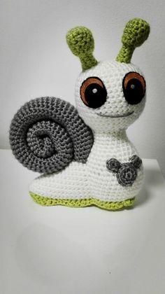 Snail Freddie amigurumi pattern by SKatieDes