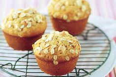 Apple, Oat and Sultana Muffins.these muffins are a great school lunchbox, mid-morning or afternoon snack, full of fibre! Apple Oatmeal Muffins, Oat Muffins, Yogurt Muffins, Oat Pancakes, Afternoon Snacks, Muffin Recipes, Smoothie Recipes, Drink Recipes, Superfood Recipes