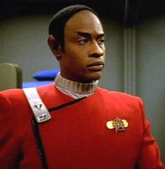 Tuvok - Steven Prayor Star Trek Voyager Source You are in the right place about Geek glasses Here we Star Trek Enterprise, Star Trek Voyager, Star Trek Tos, Star Trek Universe, Marvel Universe, Aliens, Science Fiction, Star Trek Crew, Star Trek Uniforms