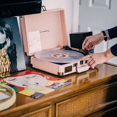 Crosley Cruiser Pink Record Player - Urban Outfitters