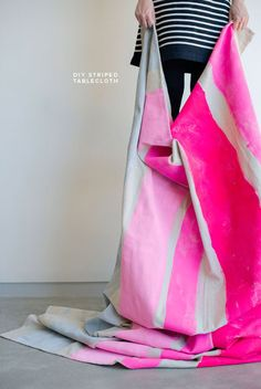 Handmade Gifts Ideas Neon Striped Tablecloth DIY -Read More – Diy Generator, Homemade Generator, Diy Projects To Try, Craft Projects, Mantel Azul, Diy Casa, Diy Gifts, Craft Gifts, Handmade Gifts