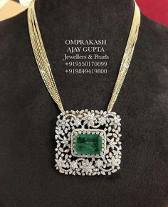 Stylish & Elegant Diamond Locket with Fancy Italian Chain! Internationally Certified VVS-EF Diamonds used. Gold Pendent, Emerald Pendant, Emerald Jewelry, Diamond Jewelry, Gold Jewelry, Photo Jewelry, Statement Jewelry, Fine Jewelry, Diamond Cross Necklaces